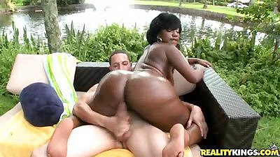 Ebony hottie Dyamond sitting on cock cowgirl style
