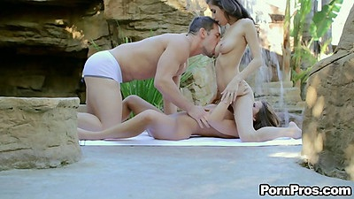 Outdoor teen bff threesome and 69