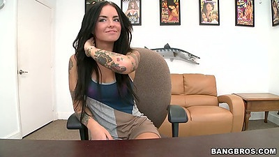Brunette hottie Christy Mack coming in for a first video