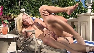 Sideways fucking trimmed pussy Kiara Diane