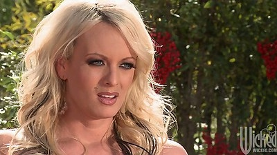 Blonde babe Stormy Daniels having dinner outdoors in private mansion
