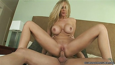 Reverse cowgirl milf fuck with Julia Ann