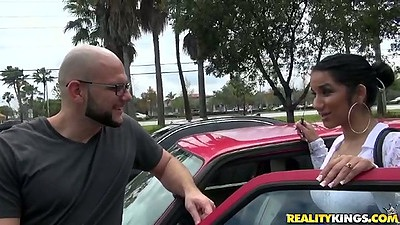 Sexy latina Sophia outdoor public pickup and lets go