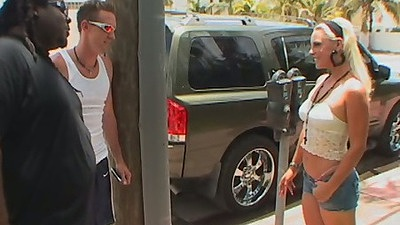 Teen hitchhiker pick up and backseat suck