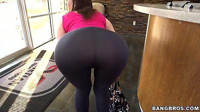 Big round ass milf Sara Jay interracial blowjob and titty fuck