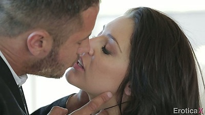 Gracie Glam erotic making out and hair pussy licking