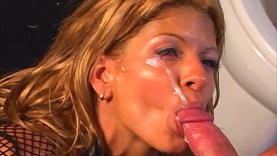 Facial whore keeps on sucking while semen is glued to her eye