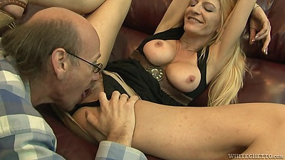 Pussy eating mom Robbye Bentley with grandpa
