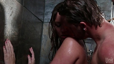 Going for a nice wet and hot shower with charming brunette Maddy O