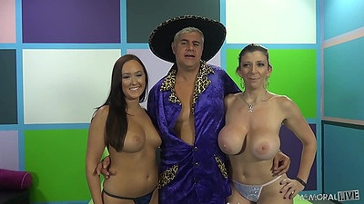 Holly Hudson an Sara Jay posing in their bare tits form