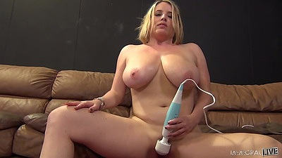 Large girl Maggie Green massages her clit and receives cunnilingus